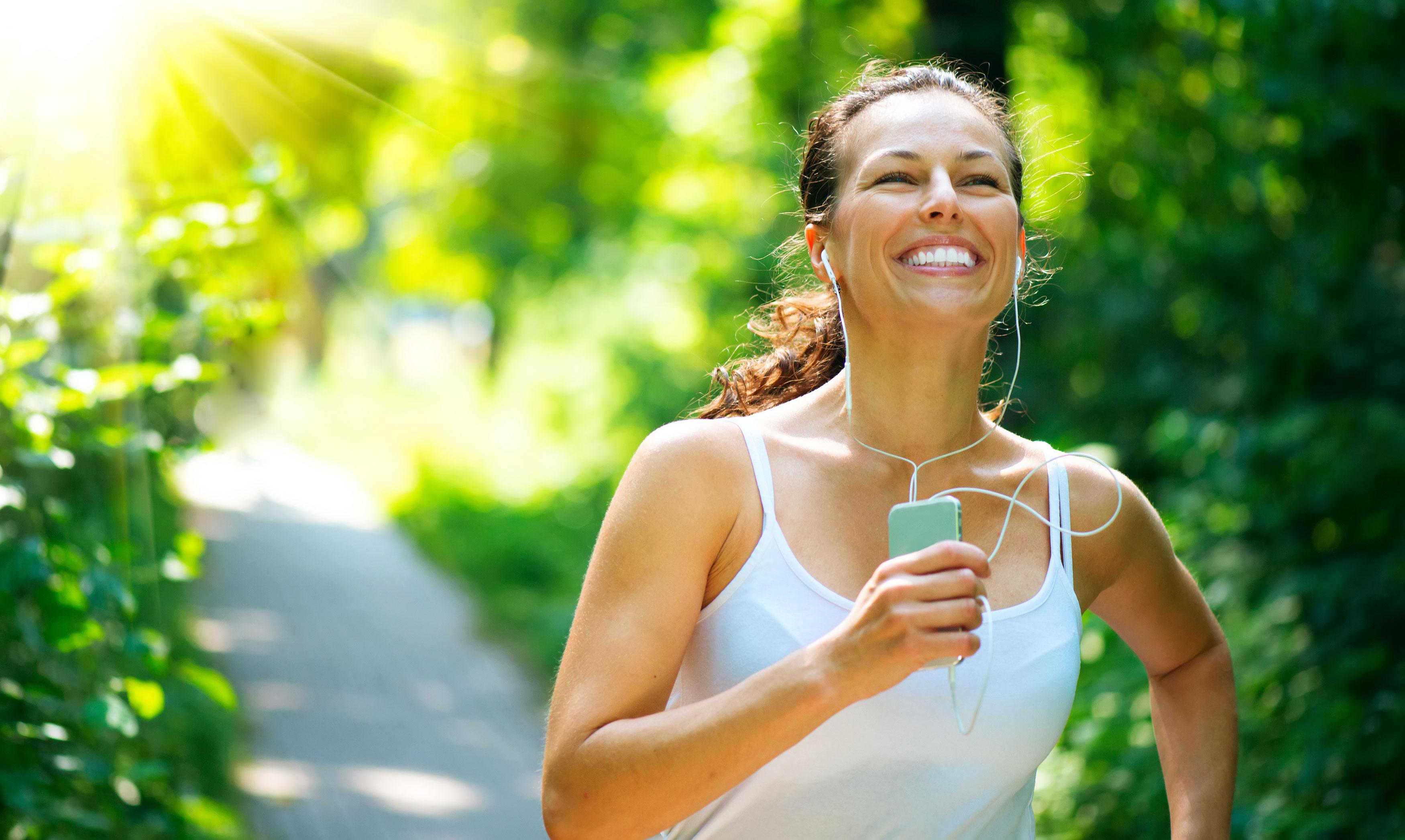 Egészséges életmód futó nő