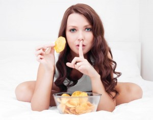 Beautiful-Woman-Eating-Potatoe-Chips