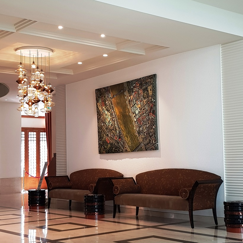 Continental Hotel Budapest lobby