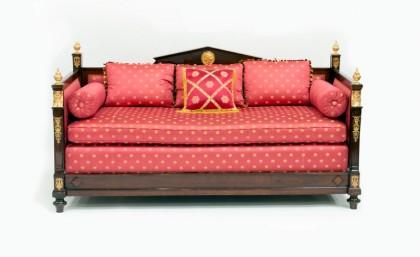 Canapé de style Empire de la Suite Impériale, provenant du Ritz Paris © Artcurial