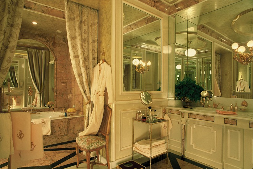 Salle de bain du Ritz Paris @Archives Ritz