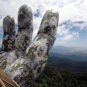 Isten keze_Vietnám_ChicAndCharm_