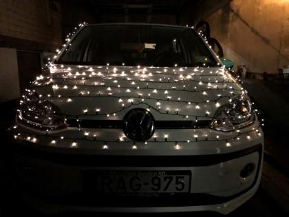 fénylimó_autó