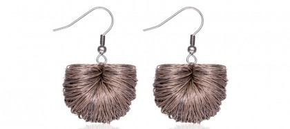 earrings basics beige