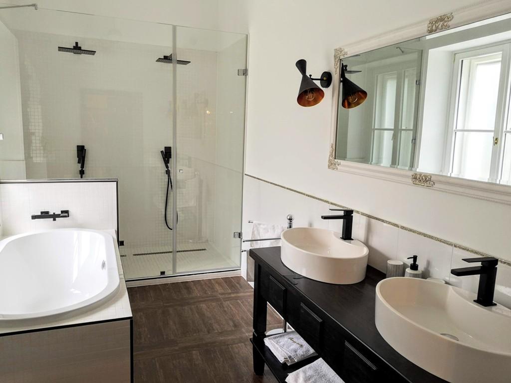 Prónay Udvarház lakosztály mosdó