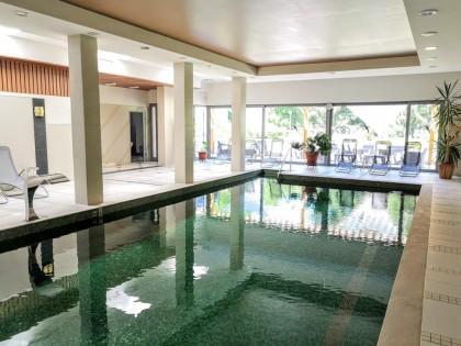 Prónay Fürdőház medence