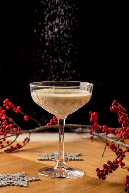 Mátka's Santa (Whiskey, vanília fagyi, Amaretto, Tonkabab, Juharszirup, limelé)