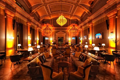 mystery-hotel-budapest-the-great-hall-restaurant